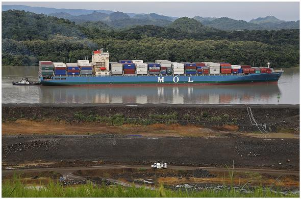 the controversy surrounding the construction of the panama canal